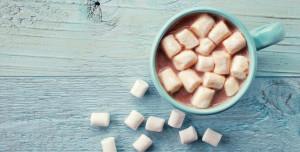 hot-chocolate-marshmallows-984x500